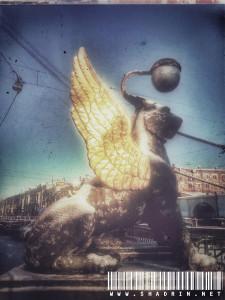 Санкт-Петербург. Банковский мост. Крылатый лев.